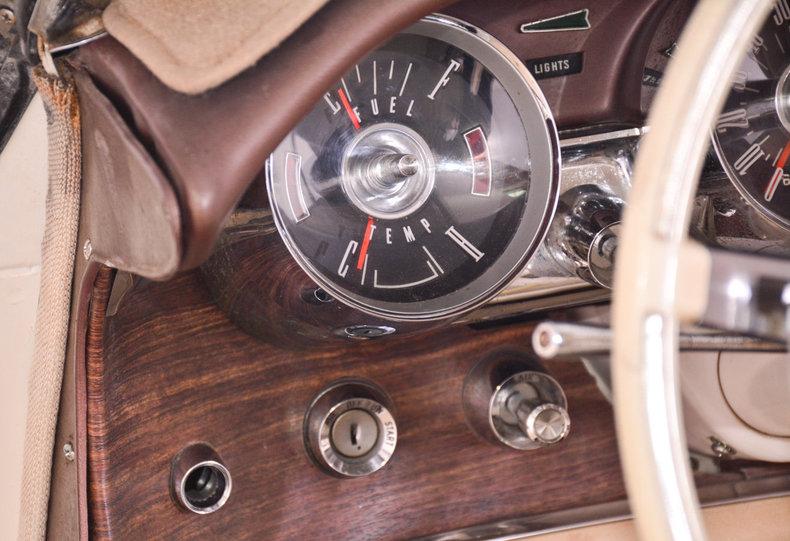 1963 Ford Thunderbird Image 37