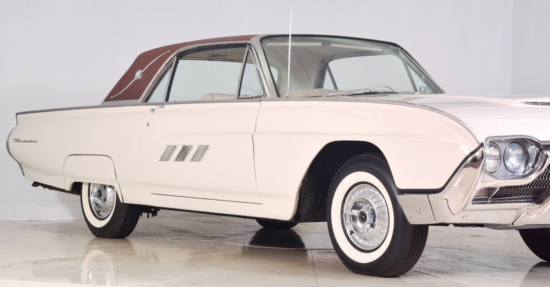 1963 Ford Thunderbird Image 17
