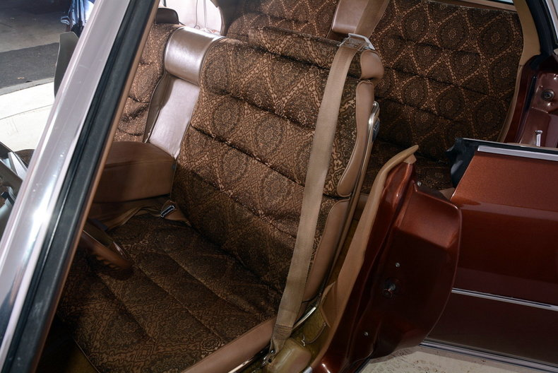 1975 Cadillac Sedan deVille Image 6