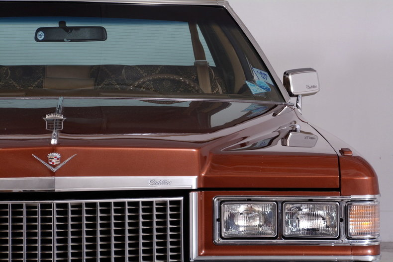 1975 Cadillac Sedan deVille Image 9