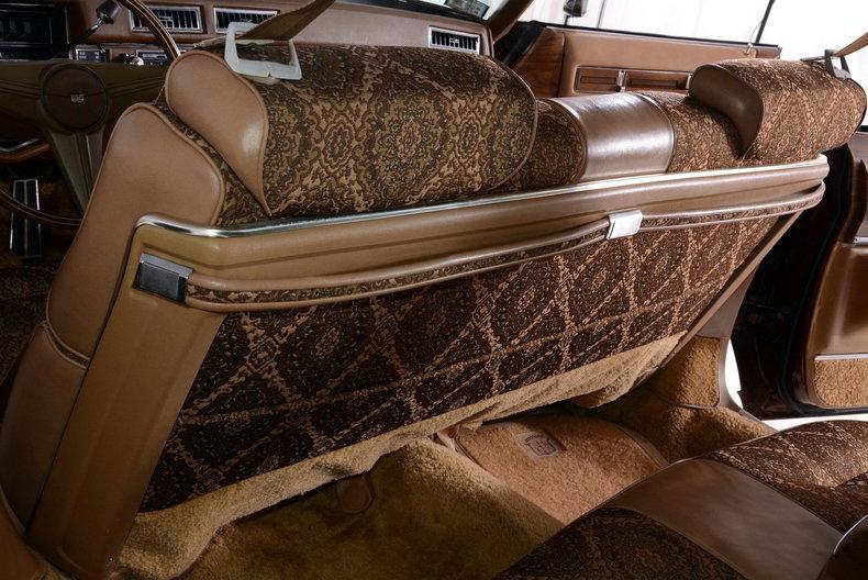 1975 Cadillac Sedan deVille Image 12