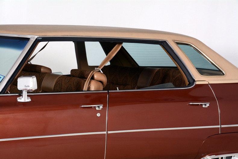 1975 Cadillac Sedan deVille Image 17
