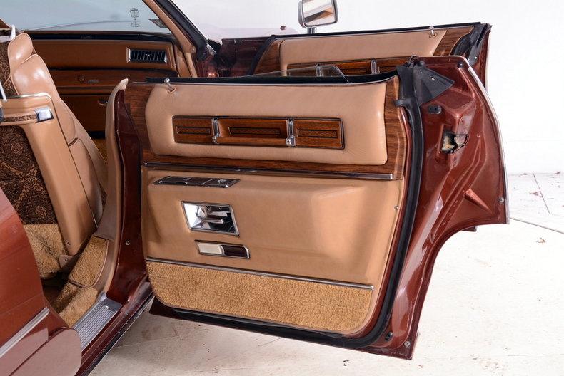1975 Cadillac Sedan deVille Image 19