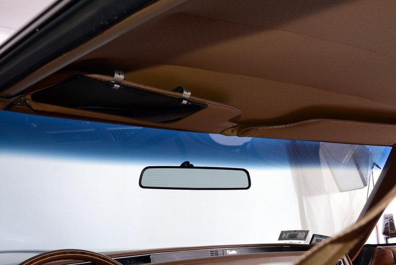 1975 Cadillac Sedan deVille Image 20