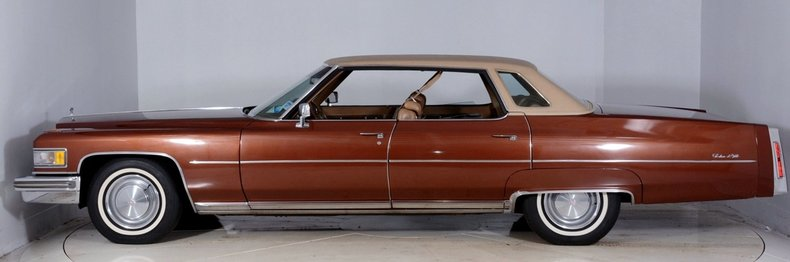 1975 Cadillac Sedan deVille Image 24