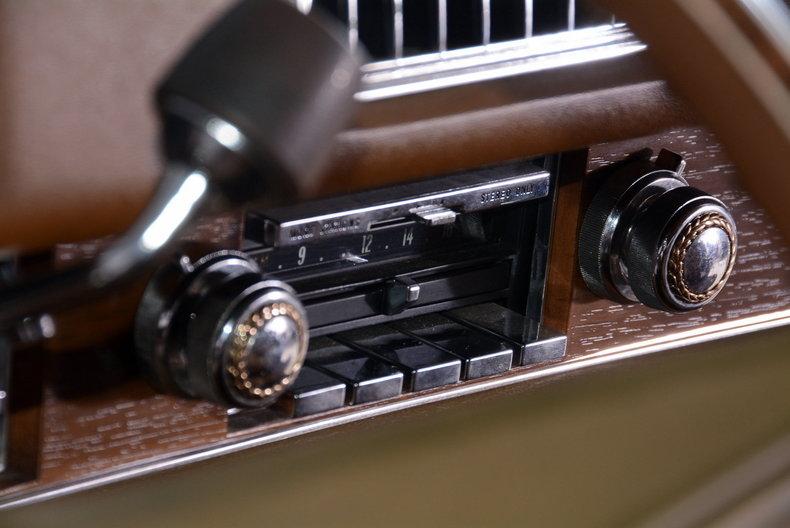 1975 Cadillac Sedan deVille Image 29
