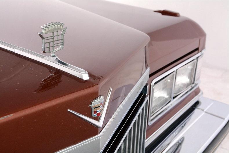 1975 Cadillac Sedan deVille Image 31