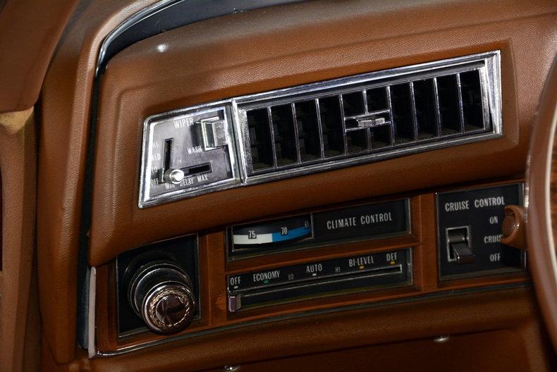 1975 Cadillac Sedan deVille Image 33