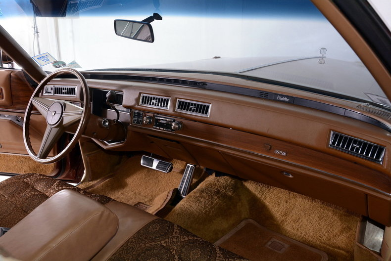 1975 Cadillac Sedan deVille Image 37