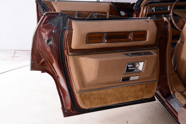 1975 Cadillac Sedan deVille Image 42