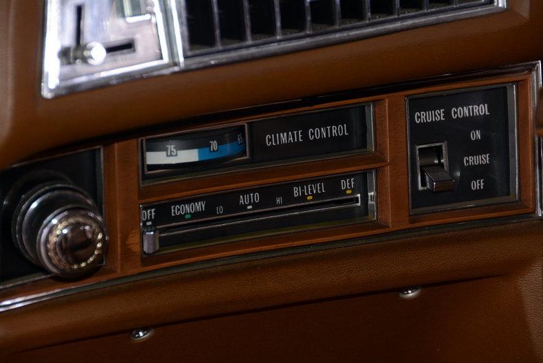 1975 Cadillac Sedan deVille Image 43
