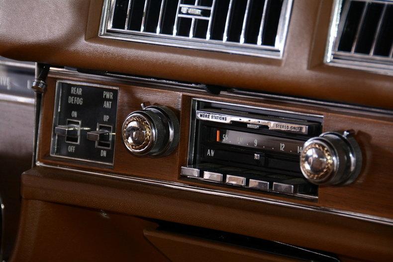 1975 Cadillac Sedan deVille Image 54