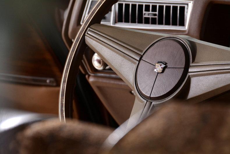 1975 Cadillac Sedan deVille Image 55