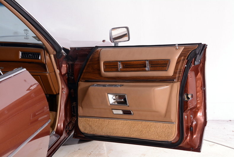 1975 Cadillac Sedan deVille Image 59