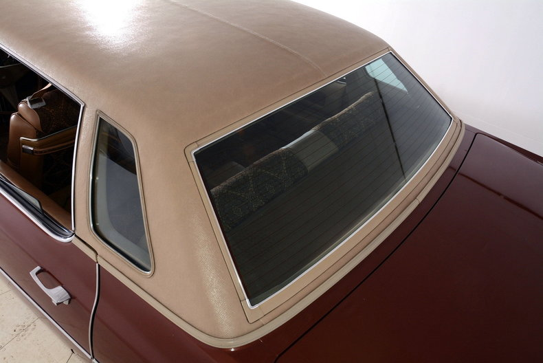 1975 Cadillac Sedan deVille Image 71