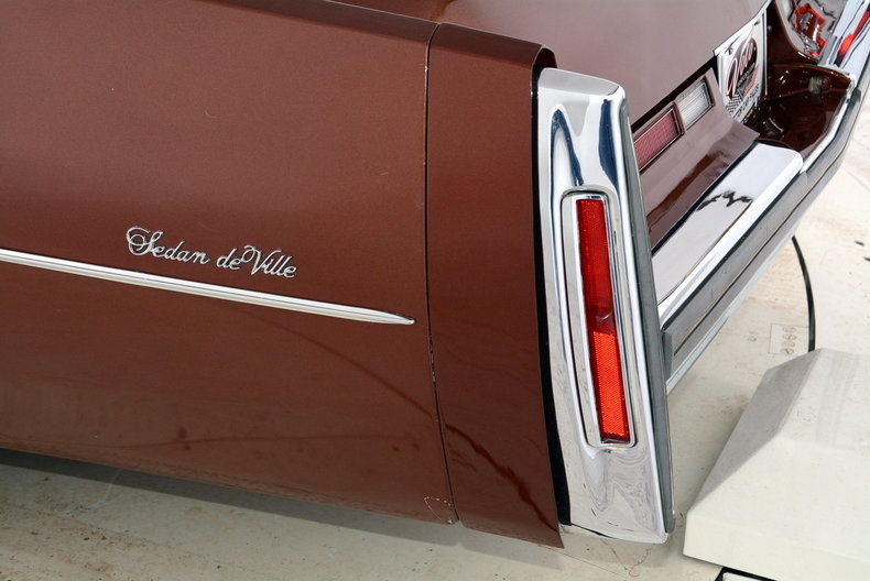 1975 Cadillac Sedan deVille Image 77