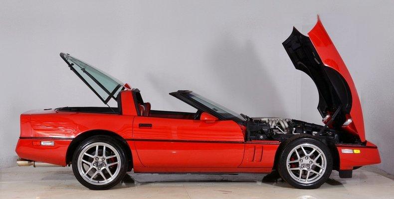 1986 Chevrolet Corvette Image 16