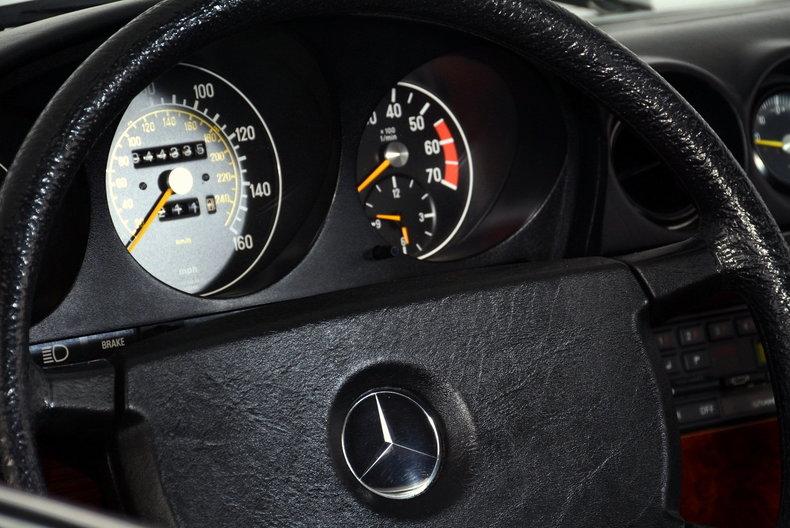 1985 Mercedes-Benz 380SL Image 14