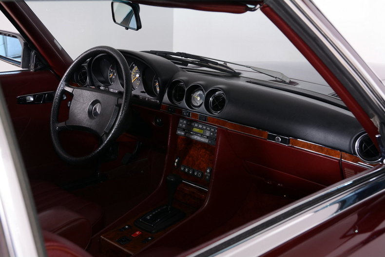1985 Mercedes-Benz 380SL Image 15