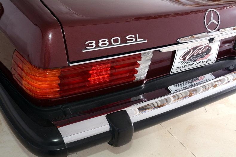 1985 Mercedes-Benz 380SL Image 31