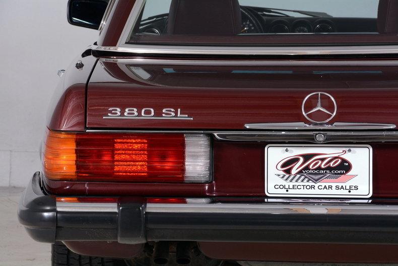 1985 Mercedes-Benz 380SL Image 34