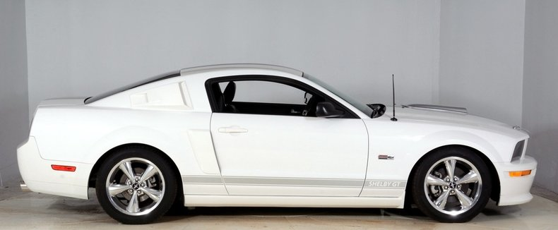 2007 Ford Shelby Mustang Image 17