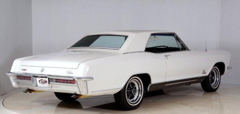 1965 Buick Riviera Image 3