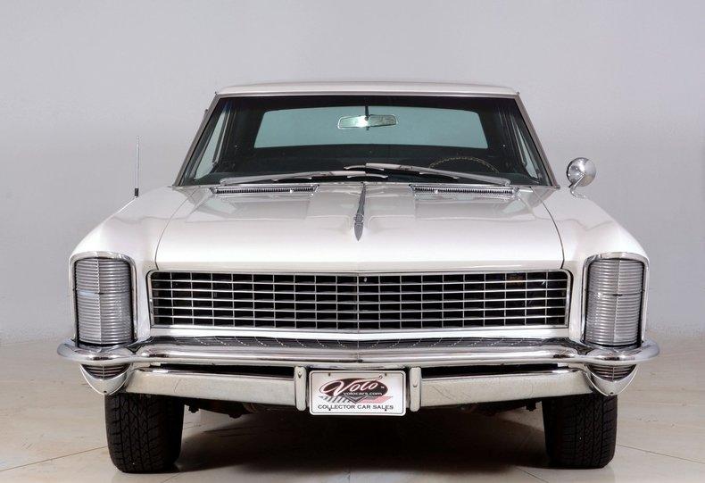 1965 Buick Riviera Image 8