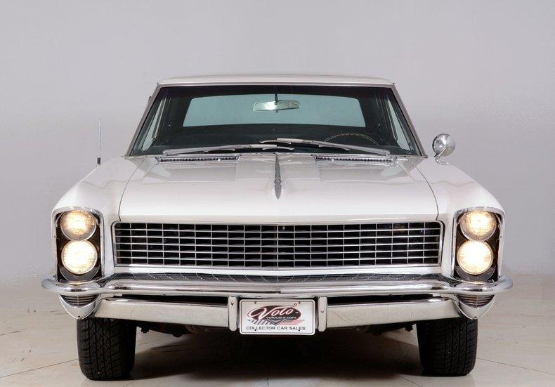 1965 Buick Riviera Image 9