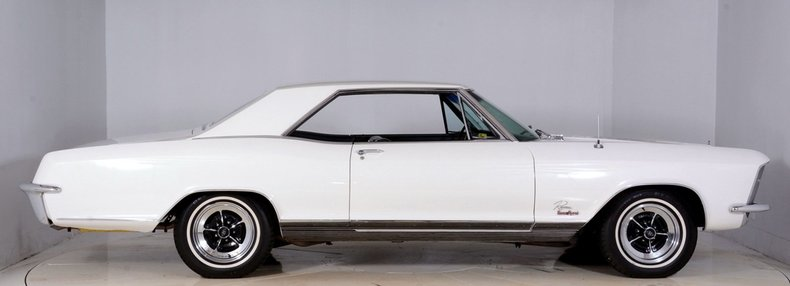 1965 Buick Riviera Image 16