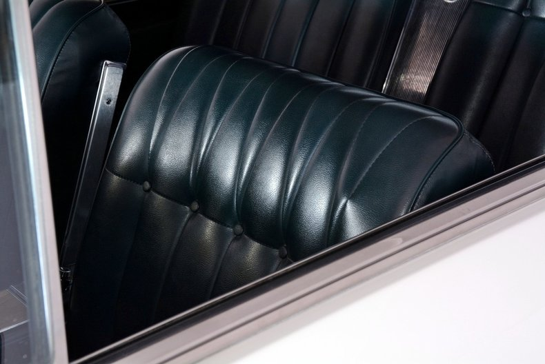 1965 Buick Riviera Image 17