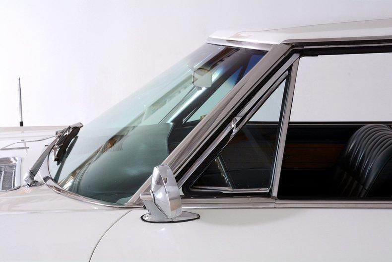 1965 Buick Riviera Image 18