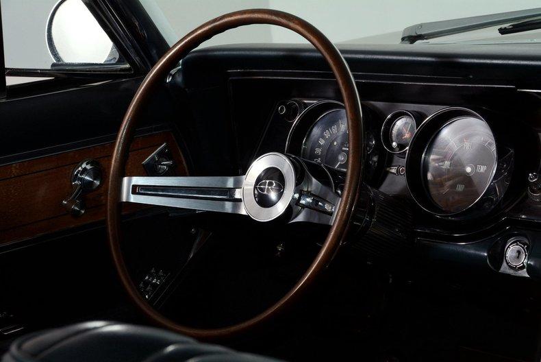 1965 Buick Riviera Image 20