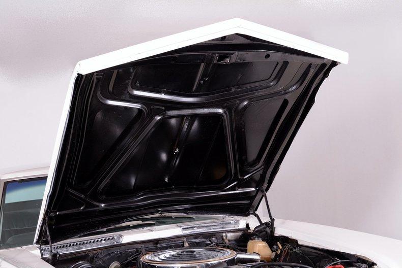 1965 Buick Riviera Image 22