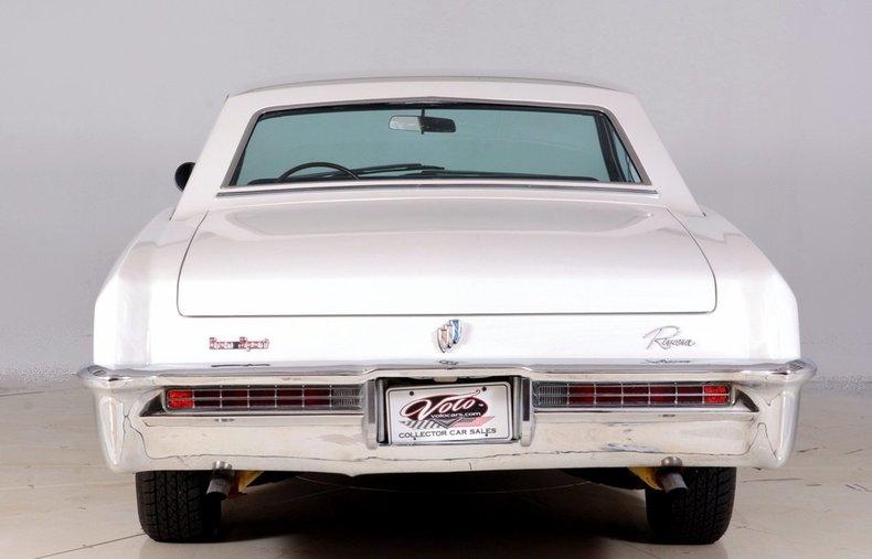 1965 Buick Riviera Image 24
