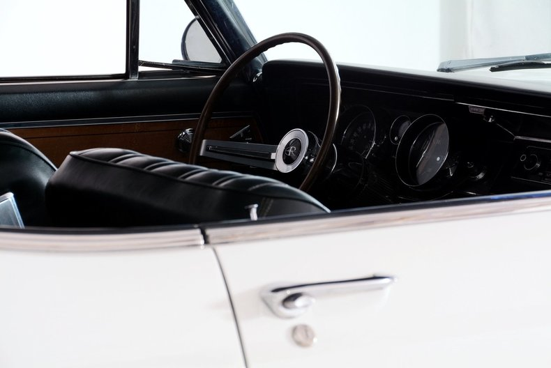 1965 Buick Riviera Image 26