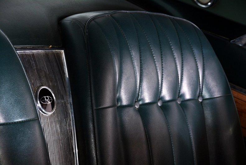 1965 Buick Riviera Image 27