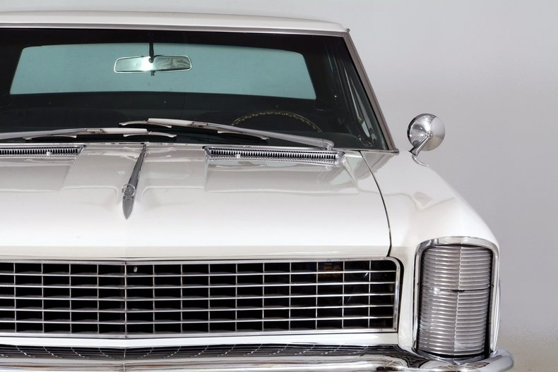 1965 Buick Riviera Image 29