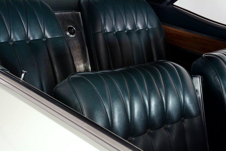 1965 Buick Riviera Image 34