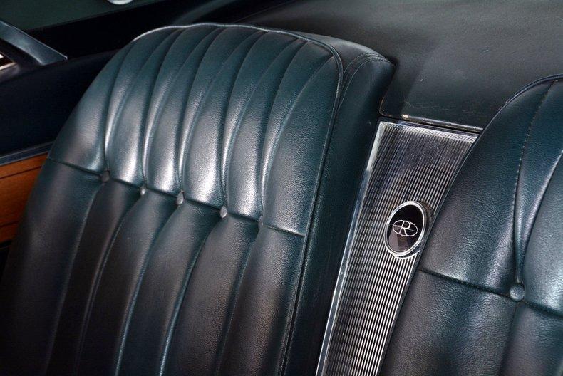 1965 Buick Riviera Image 38