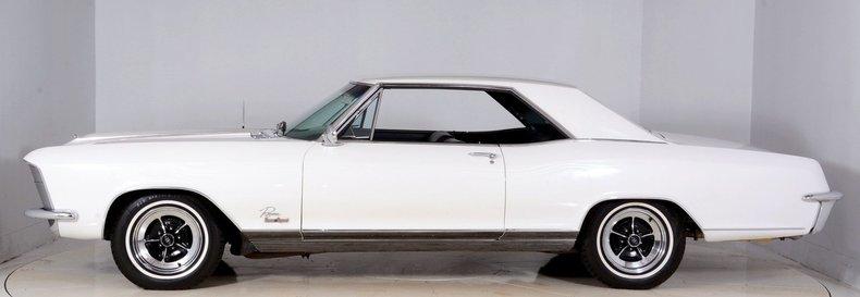 1965 Buick Riviera Image 40