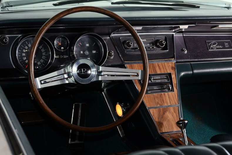 1965 Buick Riviera Image 46