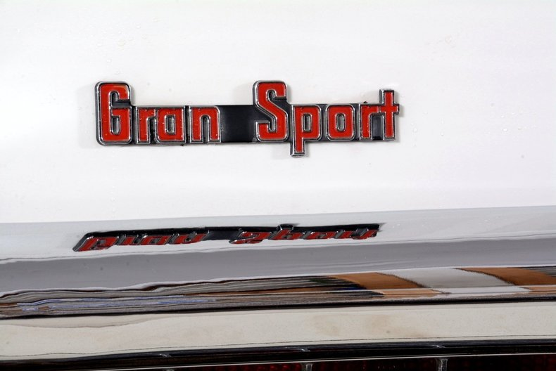 1965 Buick Riviera Image 64