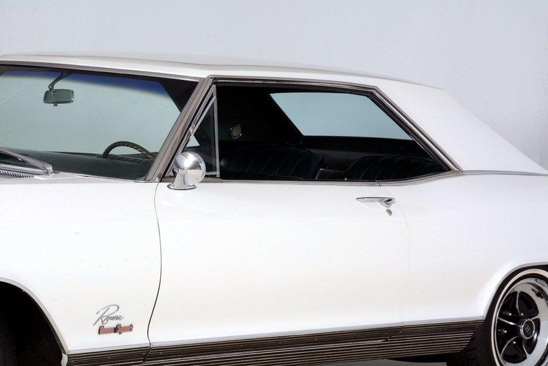 1965 Buick Riviera Image 66