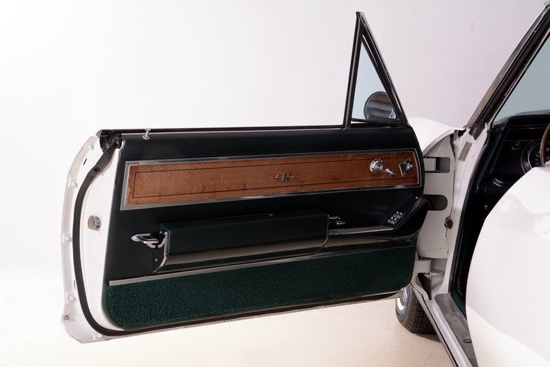 1965 Buick Riviera Image 94