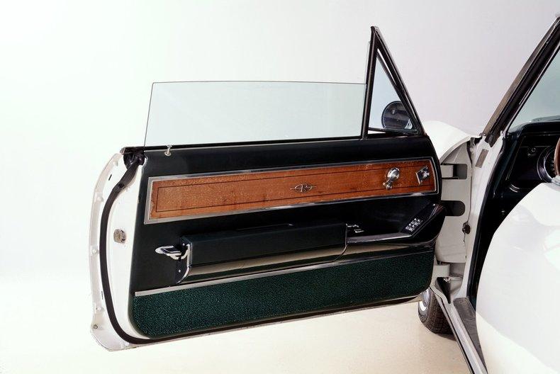 1965 Buick Riviera Image 95