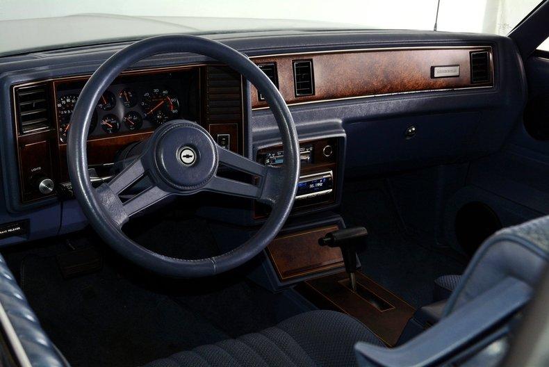 1984 Chevrolet Monte Carlo Image 2