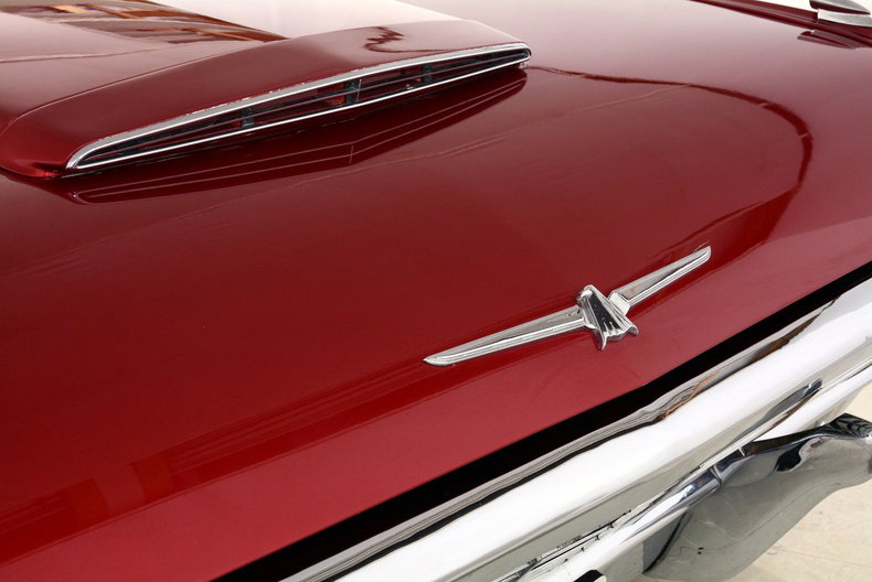 1965 Ford Thunderbird Image 9