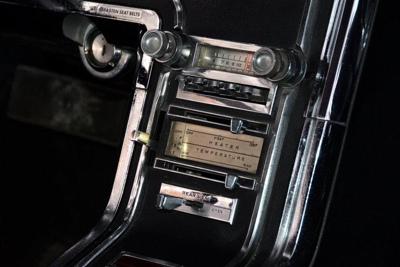 1965 Ford Thunderbird Image 13