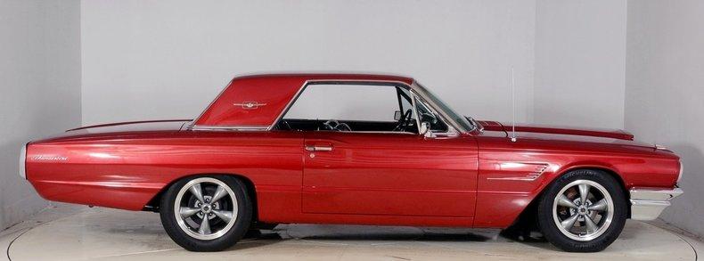 1965 Ford Thunderbird Image 17